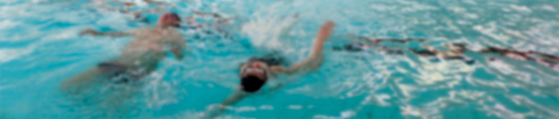 Plaisir dans l'eau : apprentissage de la natation